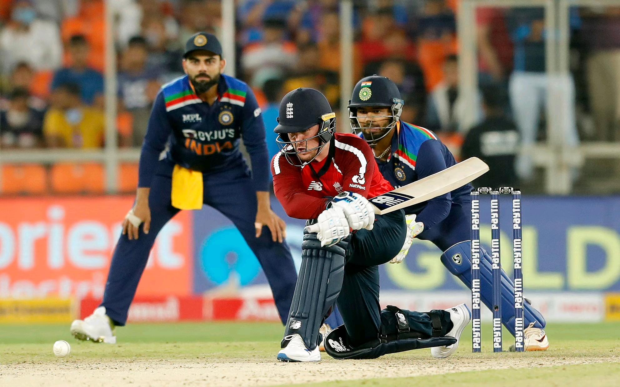 ব্যাটিং বিপর্যয়, ইংল্যান্ডের বিরুদ্ধে টি২০ সিরিজের প্রথম ম্যাচে হার ভারতের