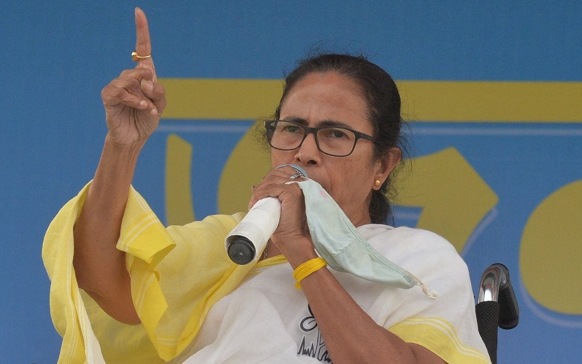 LIVE: করোনা মোকাবিলায় সাড়ে চার হাজার বাড়তি শয্যা হাসপাতালে, ঘোষণা মমতার