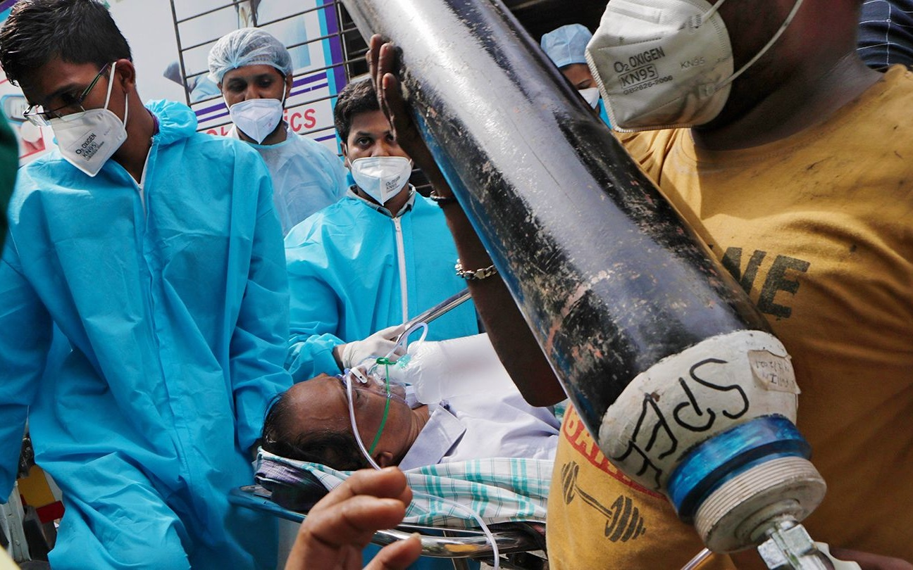 করোনা আপডেট: দেশে বাড়ছে সংক্রমণ, তৃতীয় ঢেউ এল বলে